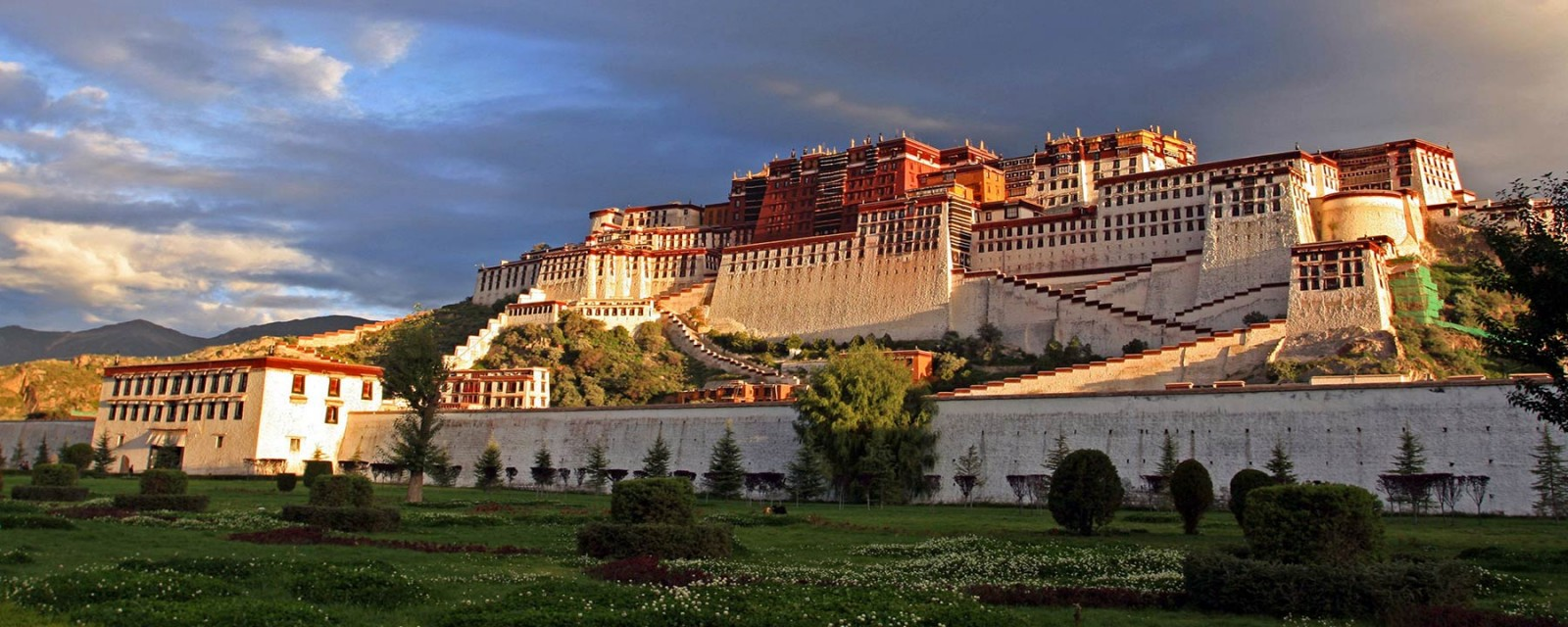 Travel to Tibet in Your Way with Local Tourism Insider